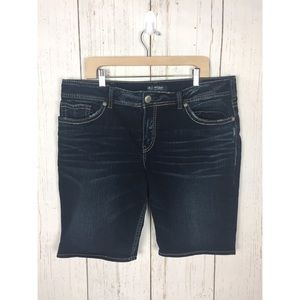Silver Jeans Suki Mid Bermuda Size SZ20/L9